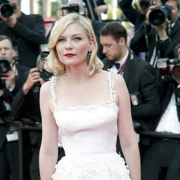 Kirsten Dunst très belle en blanc