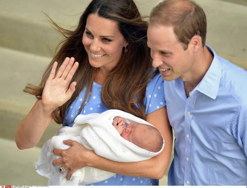 Le petit George Alexander Louis naît le 22 juillet 2013 à 16h24 au St Mary's Hospital de Londres