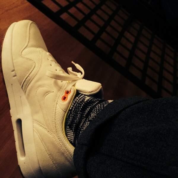 Et puis en bon enfant de la street culture, il collectionne les sneakers.