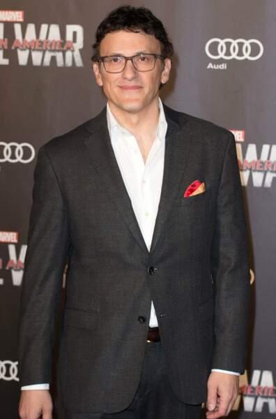 Le réalisateur Anthony Russo, venu sans son frère, a mis son plus beau costume