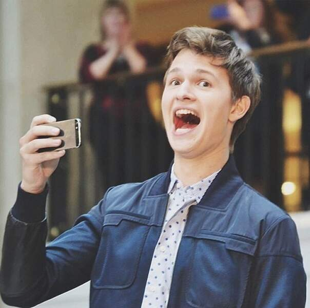 Très présent sur les réseaux sociaux, il adore alimenter son compte Instagram. AH !