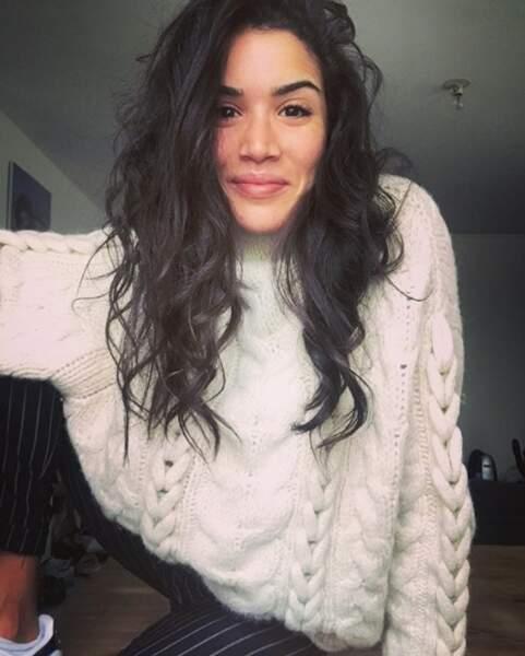 On voudrait les mêmes cheveux que Sabrina Ouazani, merci beaucoup.