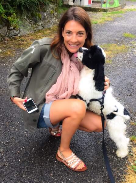 Mi-juillet 2016, Eve Angeli, sensible à la cause animale, adoptait un jeune cocker. Comme c'est mignon !