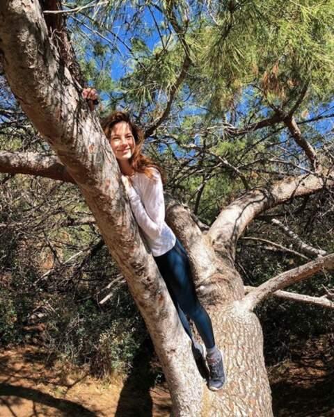 Le conseil de Michelle Monaghan : rien de tel que câliner un arbre.
