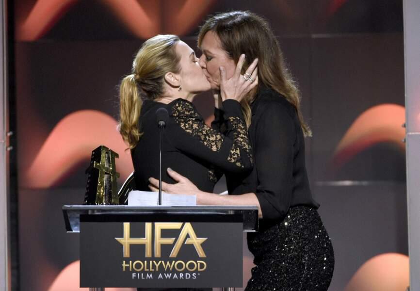 Et elle a embrassé avec fougue sa consoeur Allison Janney !