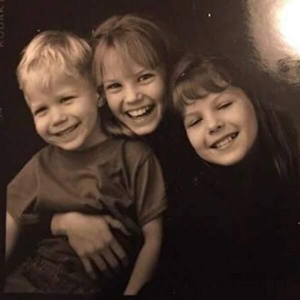 Un petit air vintage pour cette jolie photo de Jennifer Morrison et sa fratrie