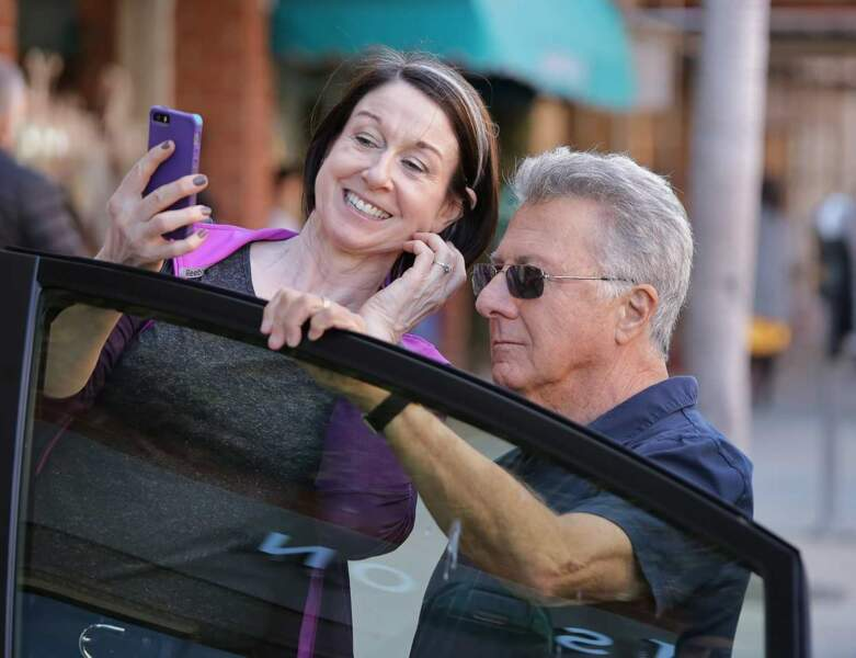 Dustin Hoffman se prête souvent aussi au jeu du selfie.