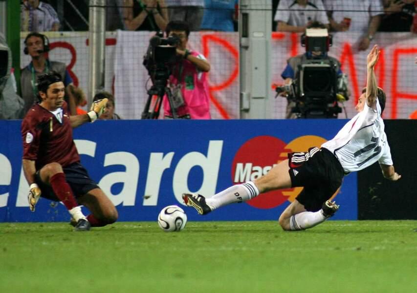 1. Miroslav Klose (Allemagne) 16 buts