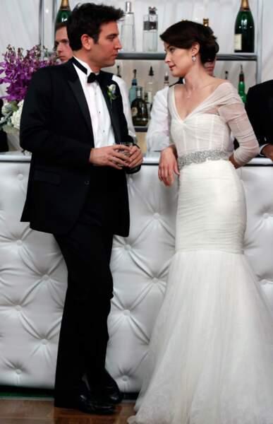 On commence avec Robin Scherbatsky (Cobie Smulders), personnage central et hilarant de la série...#ButHum