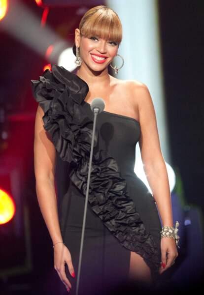Elégante et charmeuse, Beyonce est également présente en 2010