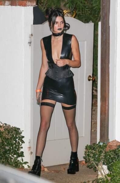 Kendall Jenner, panda sexy.