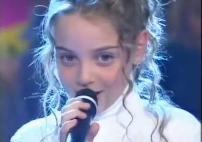 Le 23 février 2001, à 11 ans, elle fait sa toute première télé dans Drôles de petits champions sur TF1.