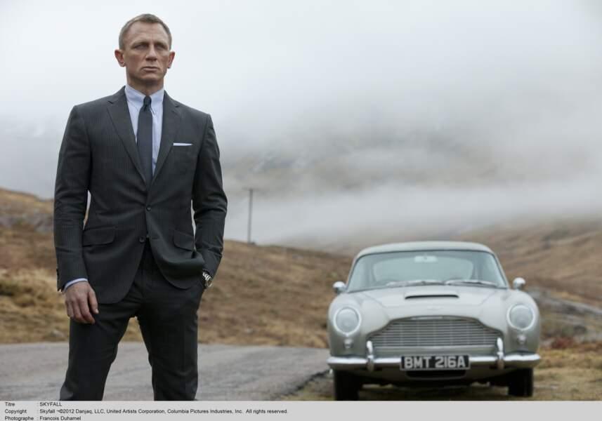 L'arrivée de Daniel Craig marque une rupture dans le jeu de James Bond, en modernisant le personnage