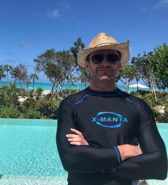 Soleil et évasion toujours avec Hugh Jackman et son chapeau de paille
