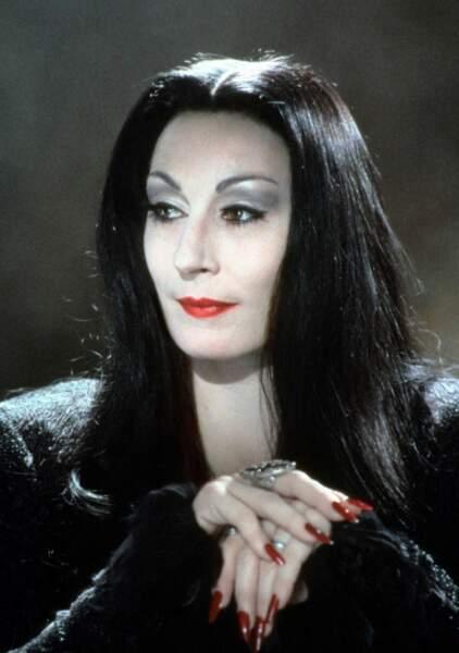 Aussi belle qu'inquiétante, Anjelica Huston excellait dans le rôle de Morticia Addams