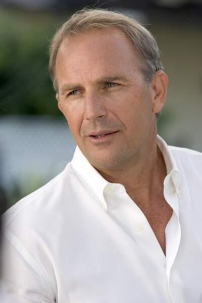 Kevin Costner se fait doubler par…