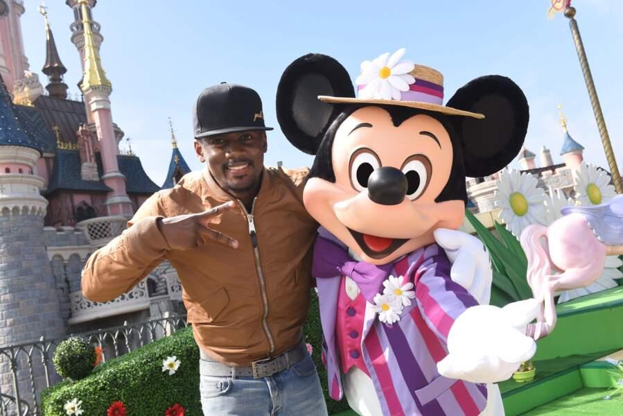 Black M s'est fait un ami à Disneyland Paris