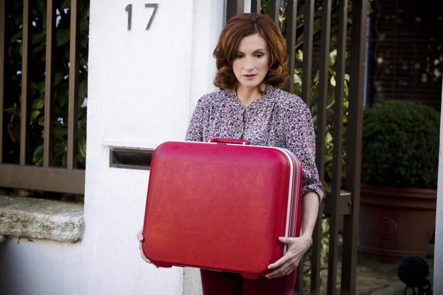 Mais quels secrets renferme cette lourde valise ?