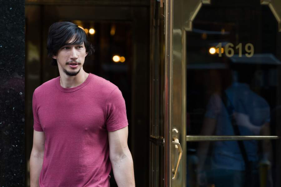 Dans Girls, Adam Driver incarne Adam Sackler, le petit ami d'Hannah