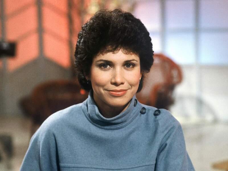 """1982 : Anne Sinclair présente """"Les visiteurs du jour"""" sur TF1..."""