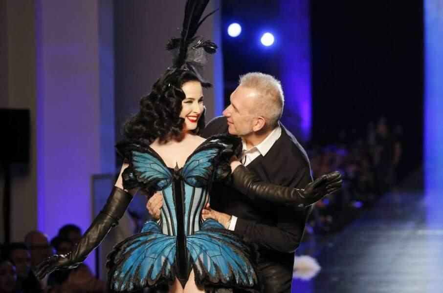Moderne, étonnant, Jean-Paul Gaultier est aussi poétique avec cette tenue papillon pour Dita Von Teese en 2014