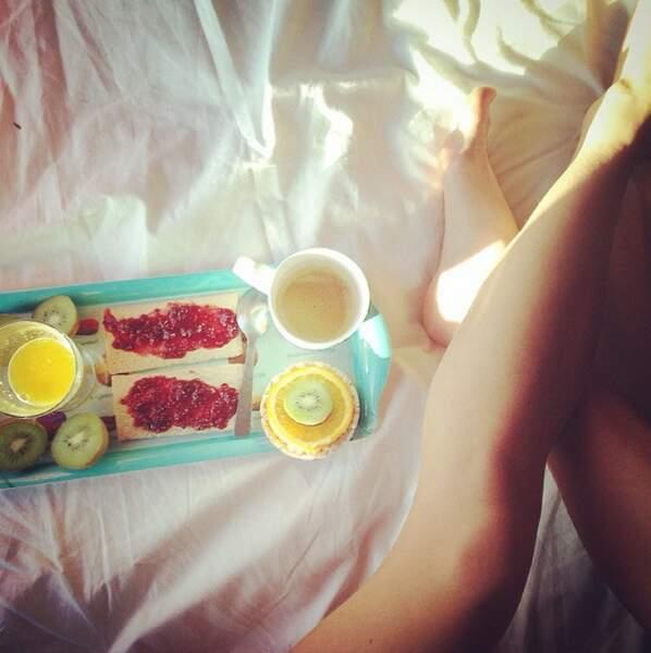 Et comme tout le monde sur Instagram, elle prend ses plats en photo !