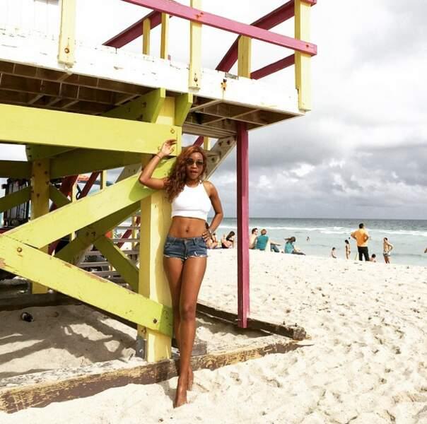 Amoureuse du soleil, Daniela fréquente les plages les plus célèbres du monde…