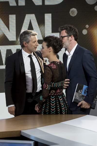 Antoine de Caunes, Bénérice Bejo et Michel Hazanavicius après l'émission