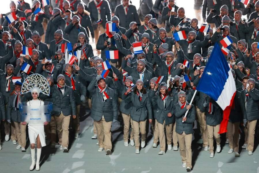 Plus sobre, l'équipe de France était emmenée par Jason Lamy-Chappuis, son porte-drapeau