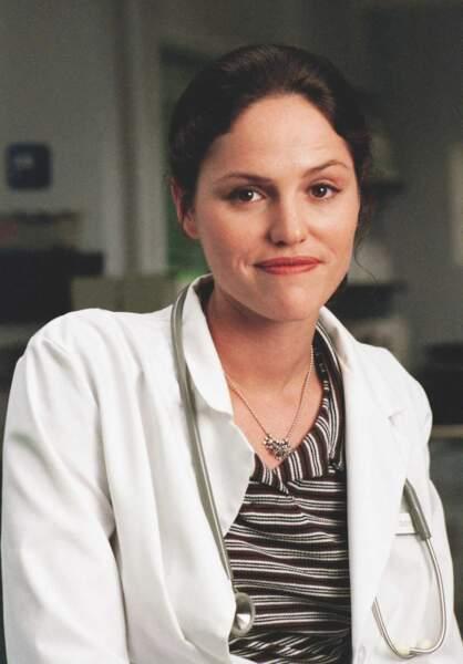 Le docteur Maggie Doyle (Jorja Fox)