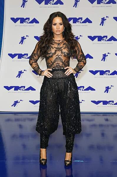 C'est bien Demi Lovato et non, sa statue de cire !