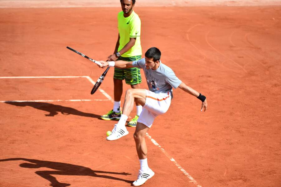 ... A moins que ce soit les sempiternelles pitreries de Novak Djokovic