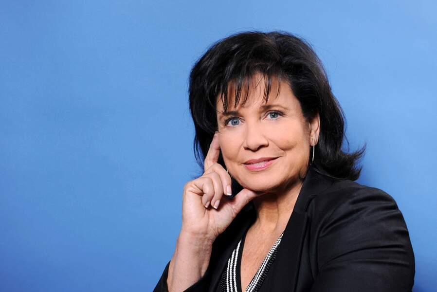 ...trente ans plus tard, elle est directrice éditoriale du Huffington Post, et intervient encore à la télé