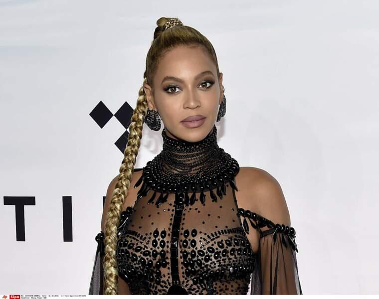 Il y a aussi des rumeurs concernant Beyoncé... A-t-elle vraiment 35 ans comme elle le revendique ?