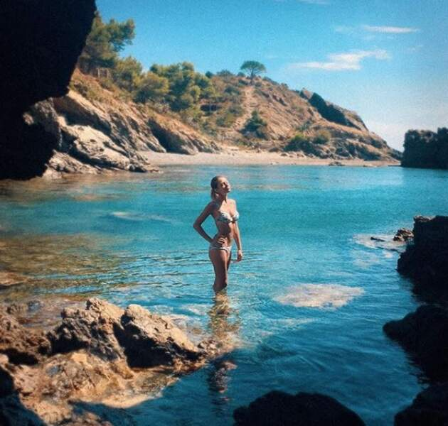 Gennifer aime se relaxer dans des endroits paradisiaques...