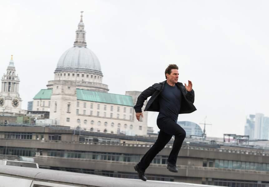 Avec de bonnes chaussures on arrive à aller loin. Ici sur les toits de Londres.
