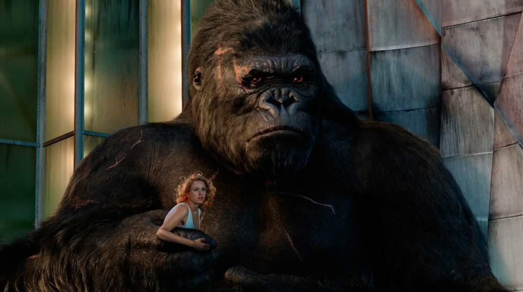 Avec un primate : Naomi Watts entre les mains de King Kong (2005)