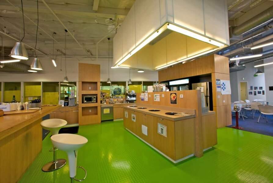 Google, côté USA : à Mountain View, il y a des cuisines géantes
