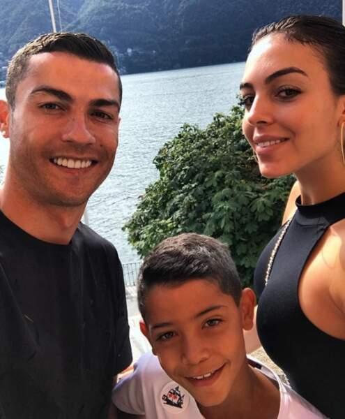 Une belle photo de famille du côté des Ronaldo.