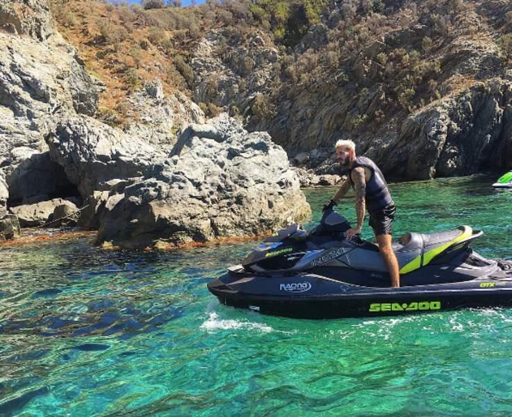 Pause jet-ski pour Matt Pokora...