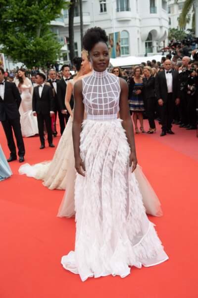 Toute de blanc vêtue, Lupita Nyongo était aussi de la partie