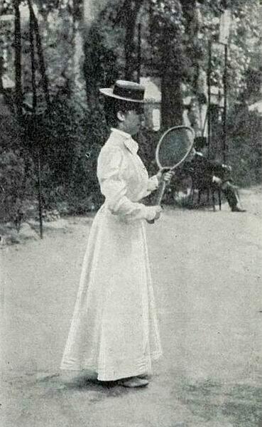 Après Adine Masson (vainqueur en 1897,1898, 1899, 1902 et 1903), au tour de Hélène Prévost en 1900