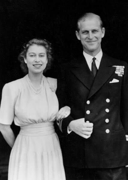 Le 9 juillet 1947, elle se fiance avec son amour de toujours Philip Mountbatten