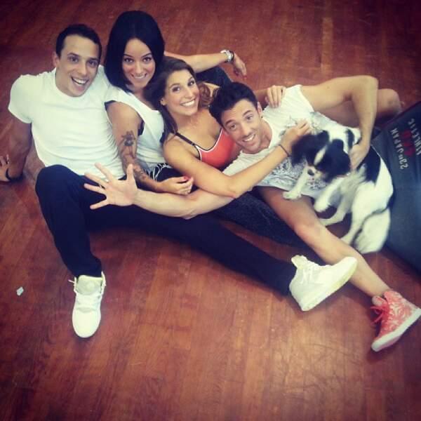 Laury Thilleman en compagnie d'Alizée et leurs partenaires
