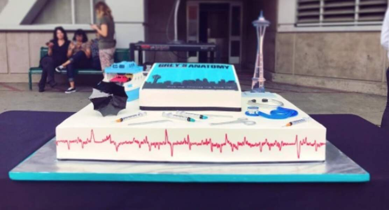 Parapluie, stéthoscope, Space Needle de Seattle... Il y a tout sur ce gâteau !