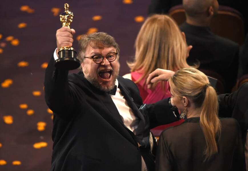 Quatre Oscars pour sa forme de l'eau. Oui, Guillermo del Toro est CONTENT