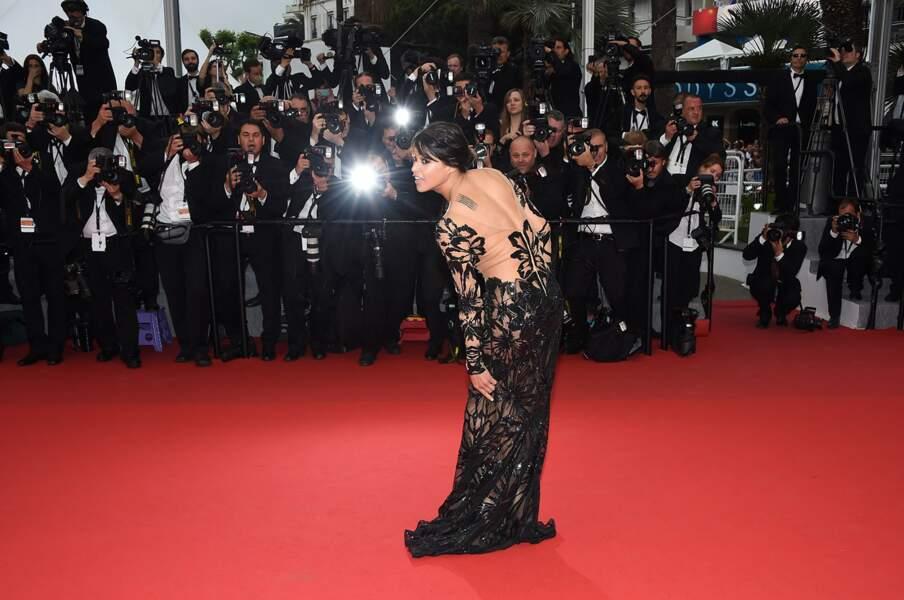 Michelle Rodriguez à la montée des marches pour la projection de Mad Max : Fury Road