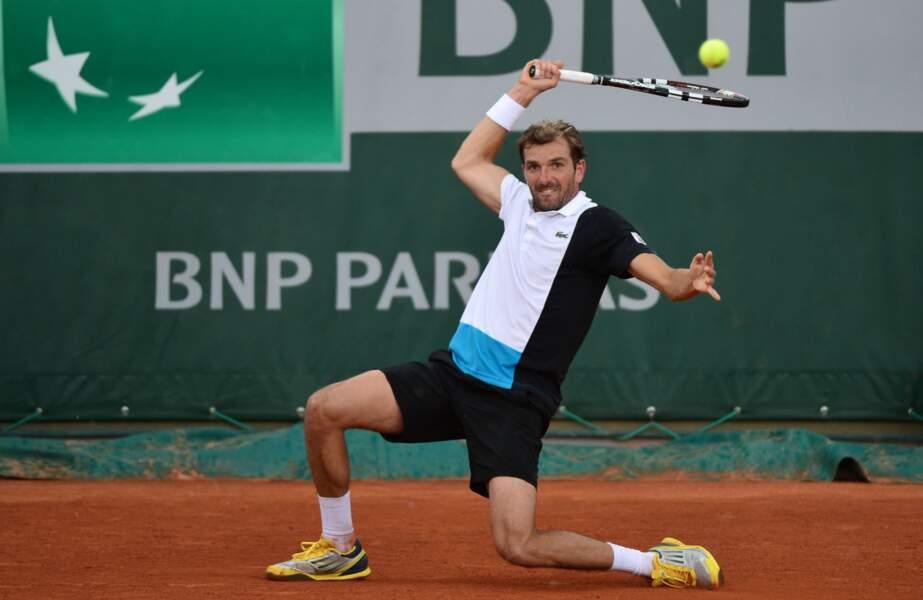Julien Benneteau, lui, a régalé le court n°1. Menant 2 sets 0, il se blesse à la cuisse...