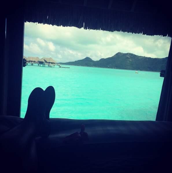 Chilling face aux somptueux paysages de Bora Bora...