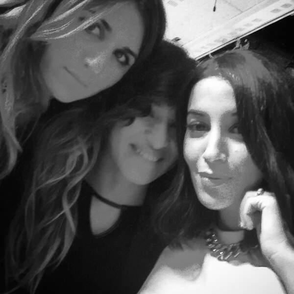 L'actrice pose avec ses amies Leïla Bekhti et Camélia Jordana